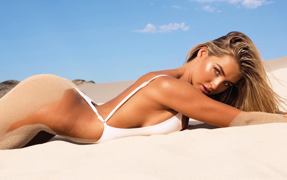 sexy-australian-models-ass-pussy-beach